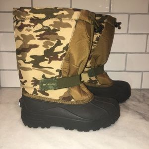 Columbia Shoes - Women's Columbia Powerbug Camo boot size 5